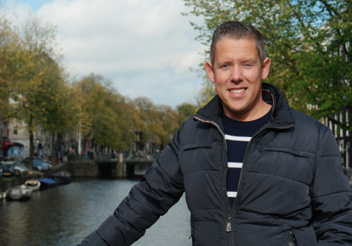 travel agent -Thomas-van-den-Brink