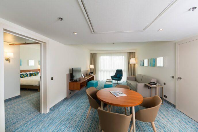 courtyard hotel suite
