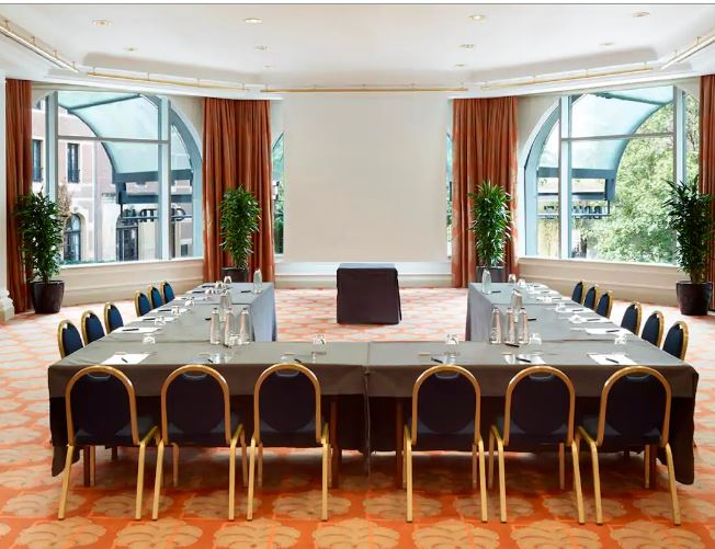hilton-meeting room