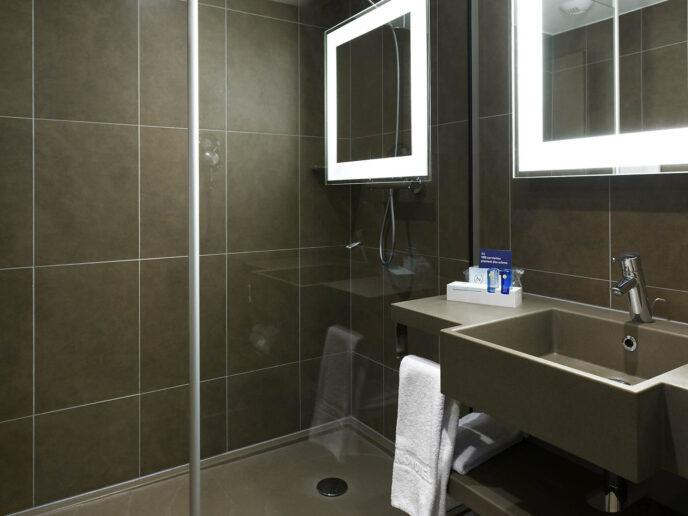 novotel-brussels-bathroom