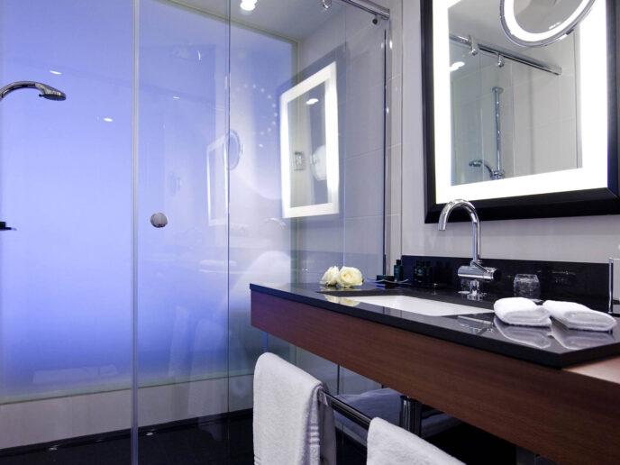 sofitel-europe-bathroom