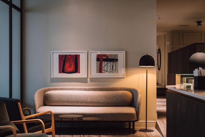 pillows hotel - bar