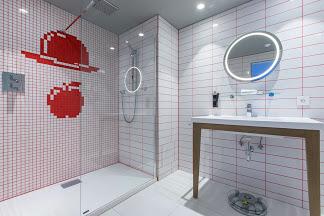 radisson red bathroom