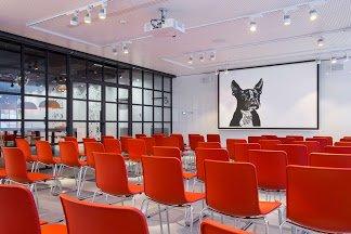 radisson red meeting room